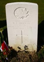 Headstone of Sgt Ronald Charles Murray in the Dieppe Canadian War Cemetery, Hautot-sur-Mer, France